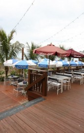 Lenny's Beach Bar & Grill
