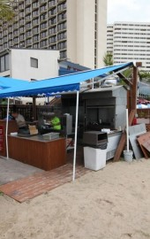 Lenny's Beach Bar & Grill