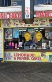 Love's Lemonade & Funnel Cake