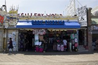 Lizzy's Beach Store