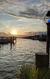 Captain Bill Buntings Angler Restaurant & Boat